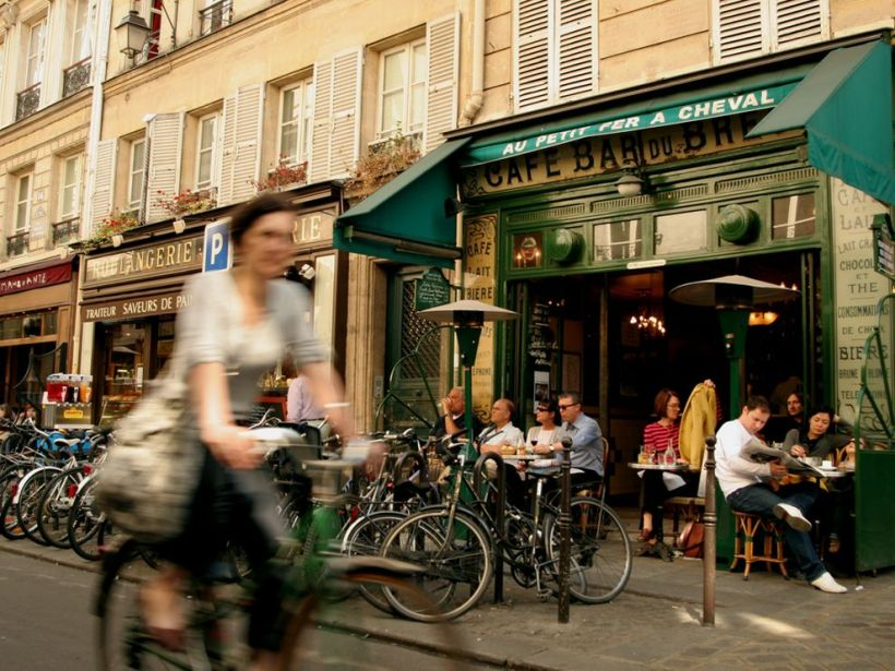 sidewalkcafeparis,nationalgeographic.com