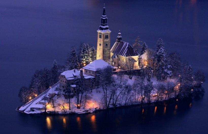 church of the assumption, lake bled, Slovenia, superbwallpapers.com